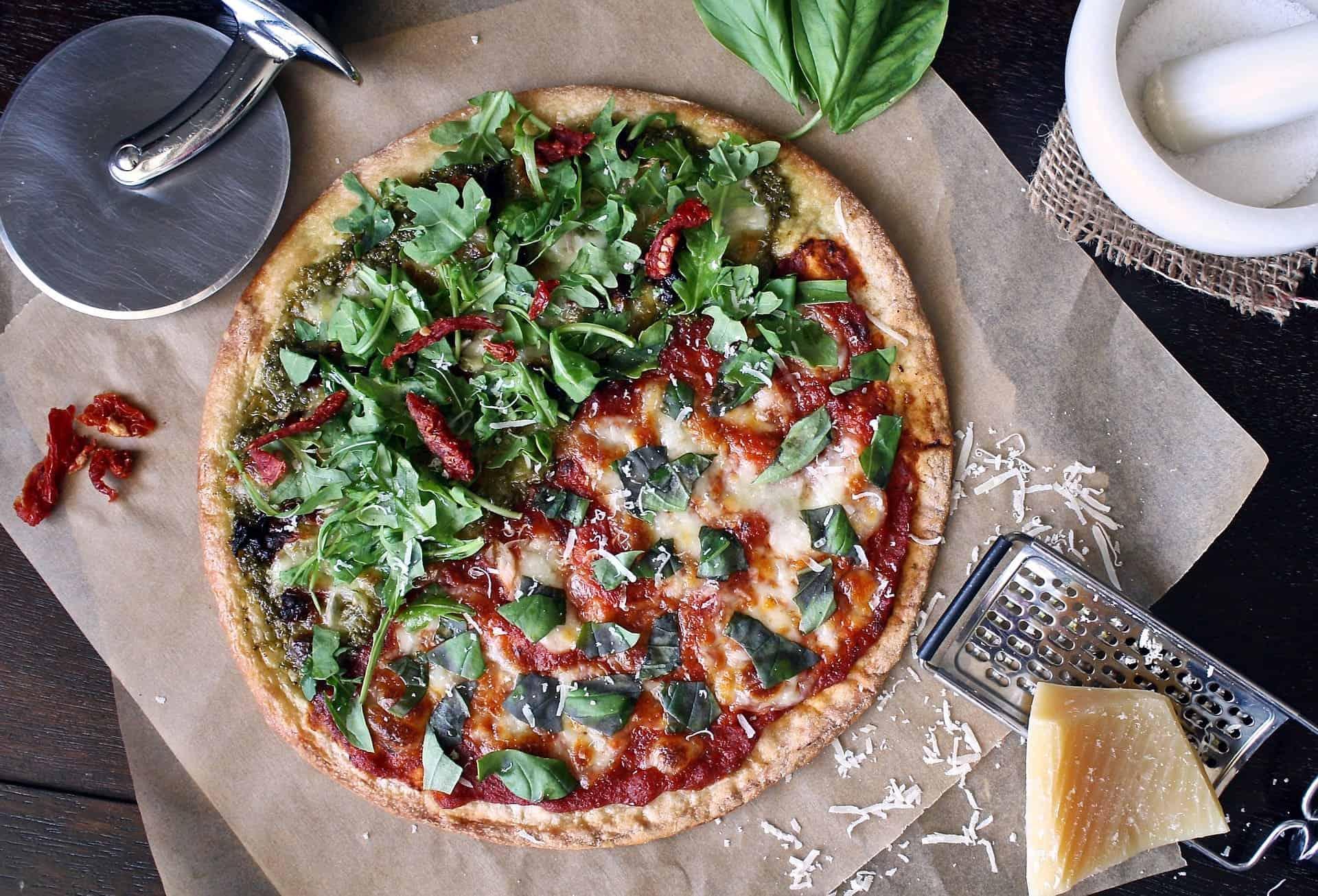 Pizza und Pizzamesser