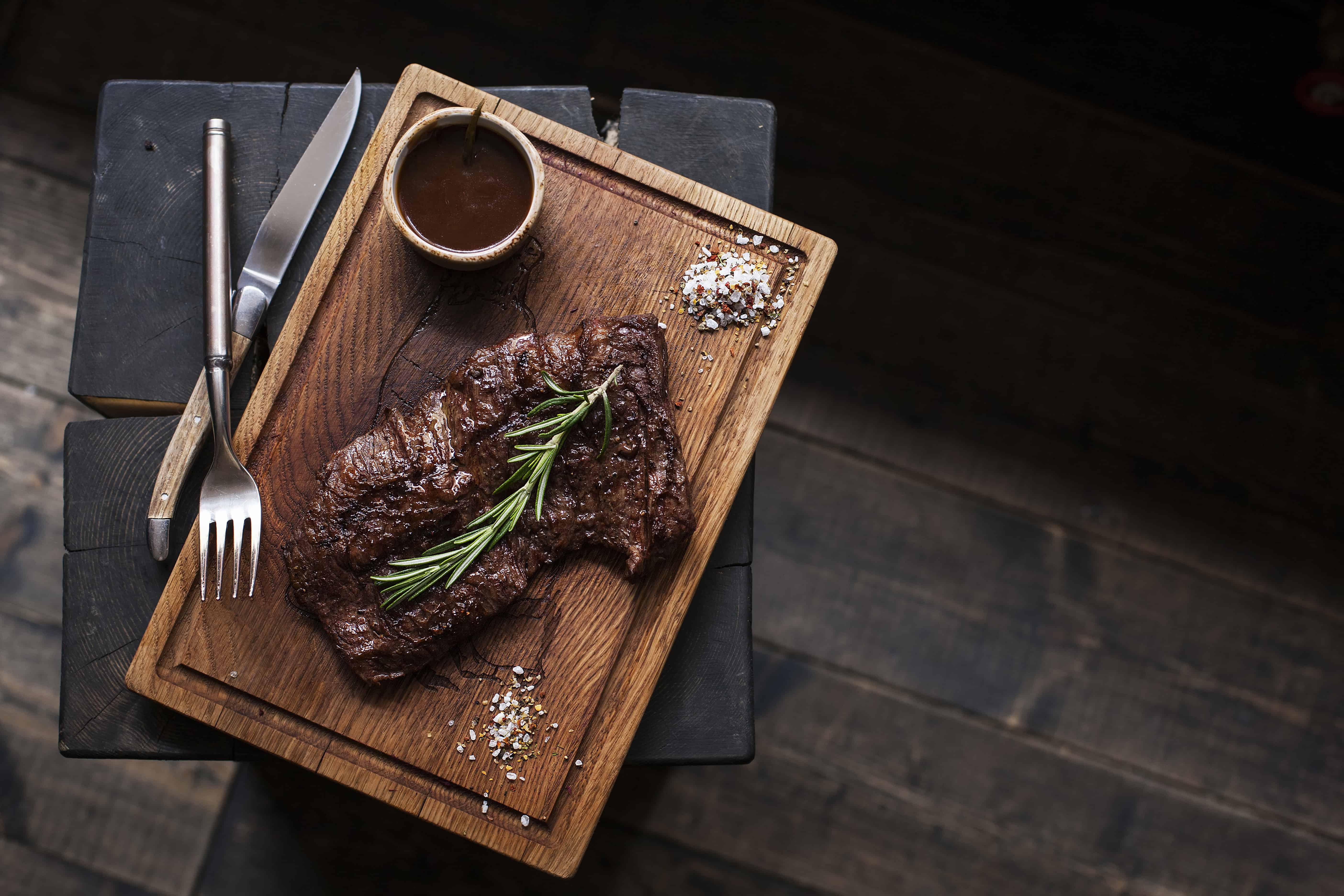 Steakbesteck Brett